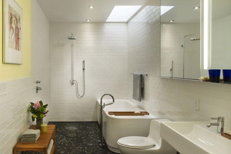Salles de bains contemporaines sans obstacle