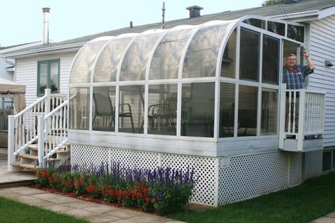 Solariums 3 ou 4 saisons transformer une terrasse en for Piscine avec solarium