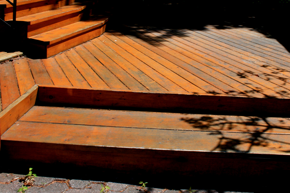protection des terrasses en bois guide perrier. Black Bedroom Furniture Sets. Home Design Ideas